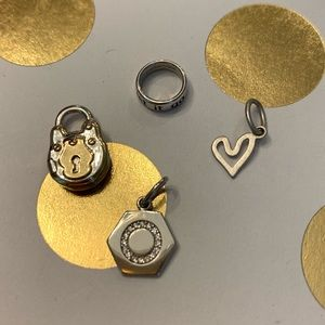 Origami Owl set of 4 Core mementos
